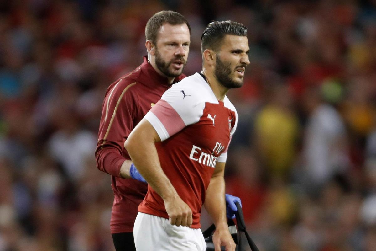 Sead Kolasinac injured in match against Chelsea