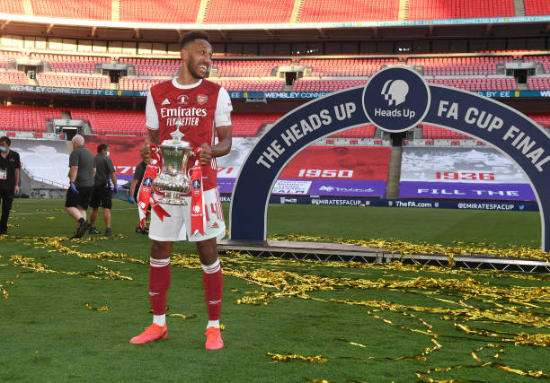 Arsenal captain Aubameyang offered £300000-a-week (plus mega bonus due)
